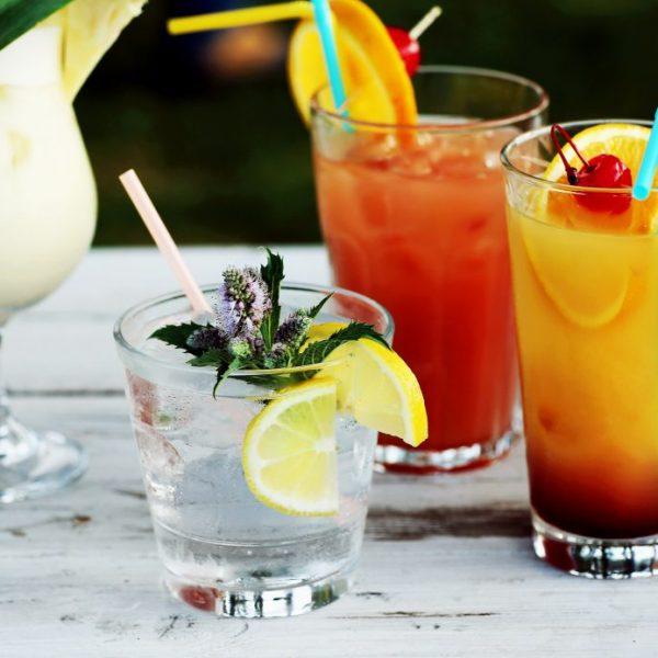 barmenai renginiams kokteiliai